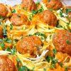 Котлеты в макаронных гнездах: отличная идея для ужина